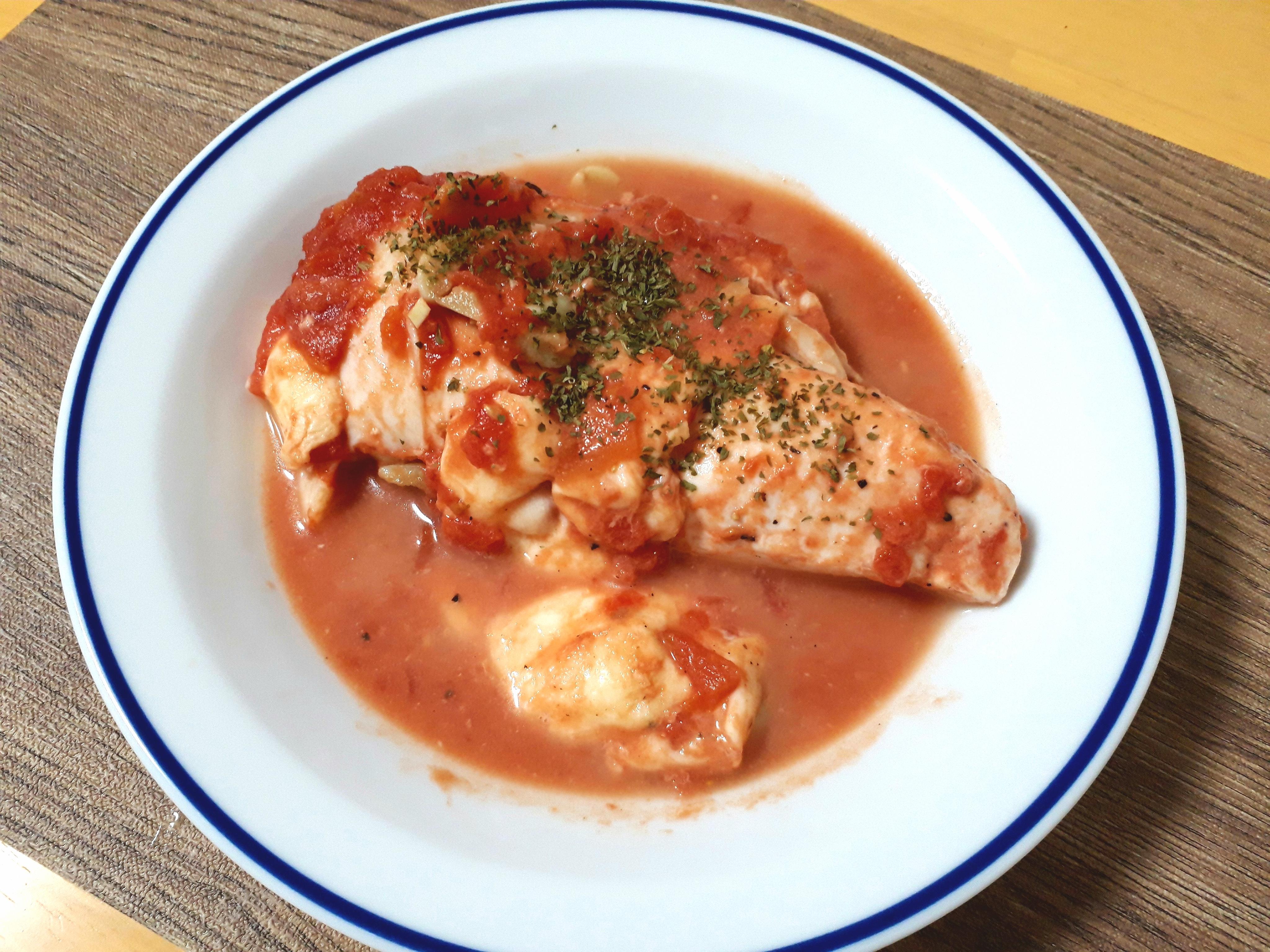 低温調理で鶏むね肉のトマトソース煮込み